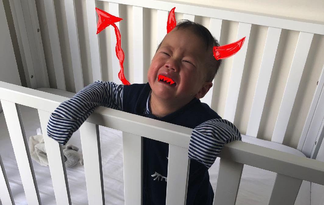 Crying baby destroys social media usage